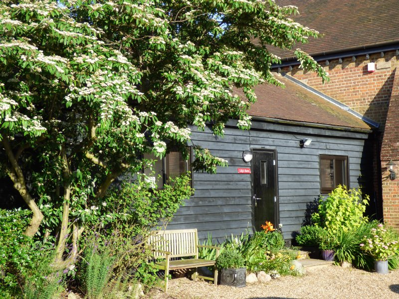 Lily's Barn - 2 bedroom attached barn conversion, Ferienwohnung in Basildon