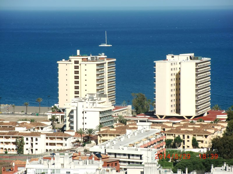 FRONT VIEWS FROM THE APARTMENT TO SEA AND MALAGA BAY