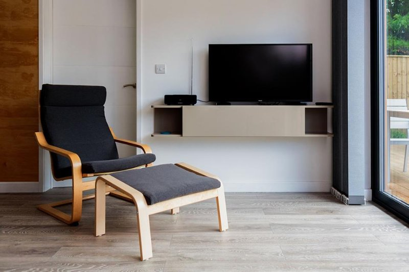 Large TV with wi-fi connection and Netflix included