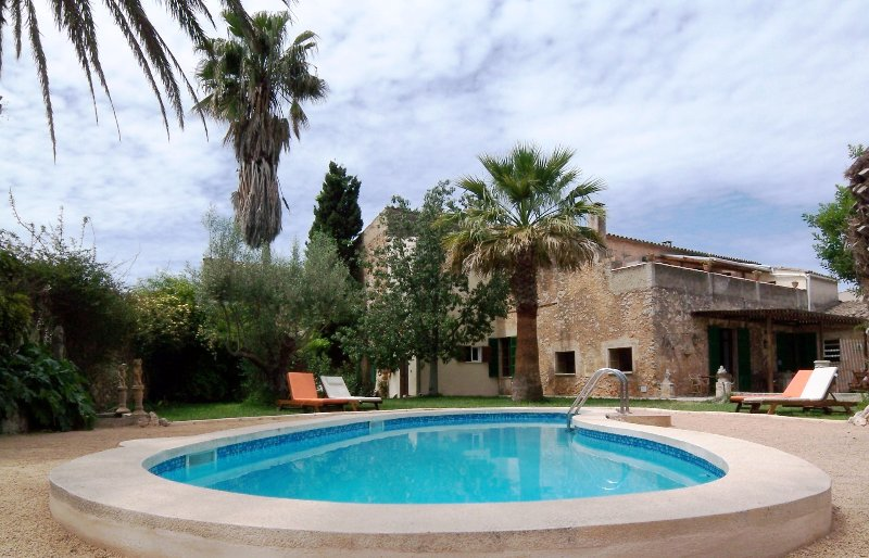CAN MAVI 4 - Sonniges Apartment im Herrenhaus, vacation rental in Santa Eugenia
