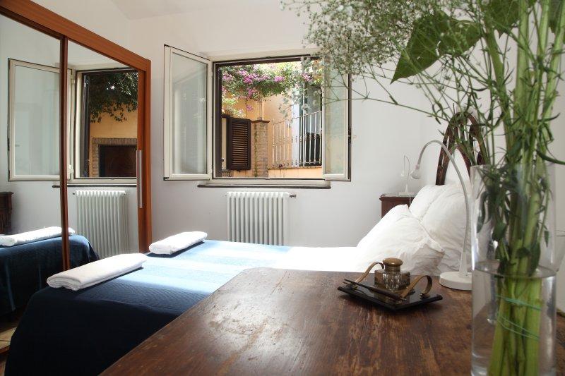 torre di Sebastiano mini-appartamento Kaggi, vacation rental in Graniti