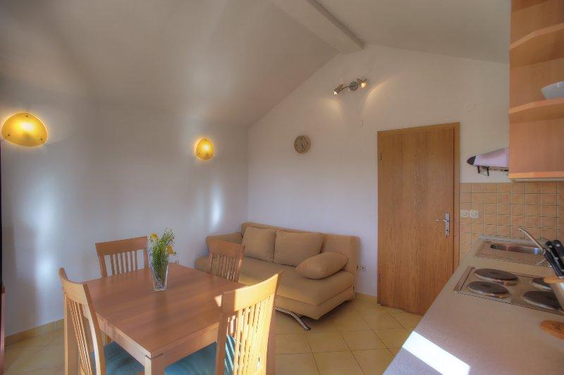 Summer house in Jezera, aluguéis de temporada em Jezera
