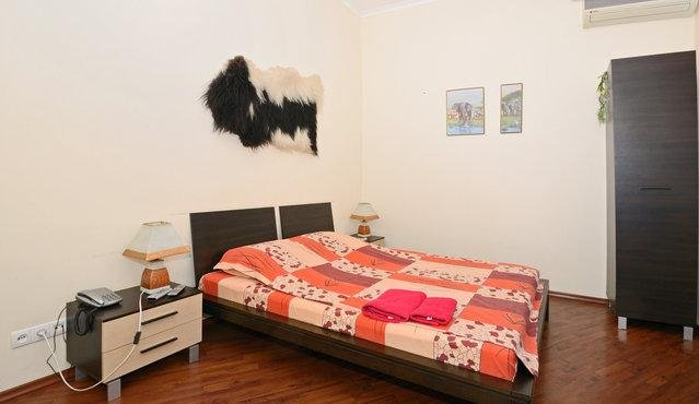 Kontraktova square studio in Kiev historical area, vacation rental in Kyiv (Kiev)