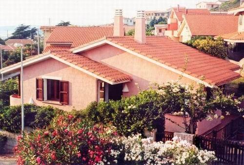 Villetta a 100 mt. dal mare con magnifica vista, holiday rental in Putzu Idu