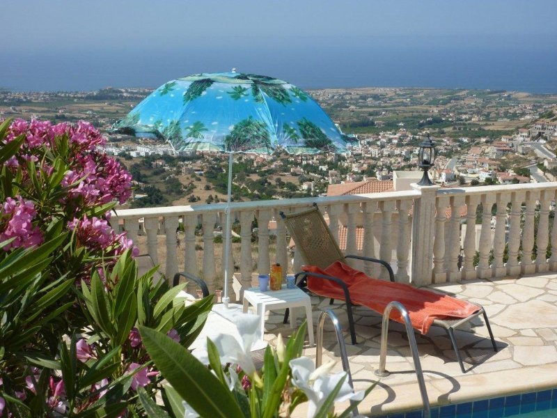 Peyia Villa South Cyprus own Pool and Jacuzzi, vacation rental in Paphos