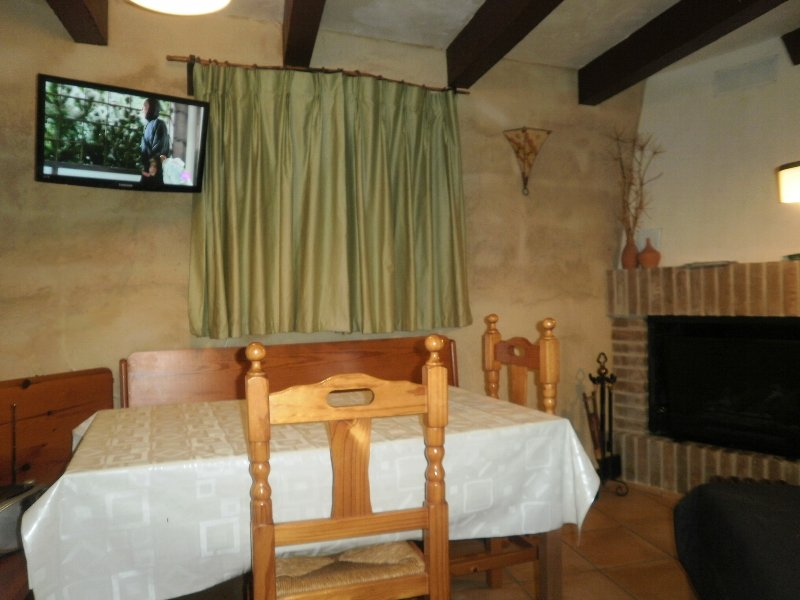 Apartamento casanova, vacation rental in Huesca