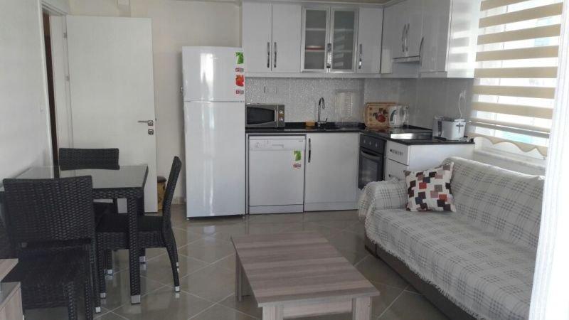 Stunning  ground floor 2 Bed apartment near beach, location de vacances à Mavisehir
