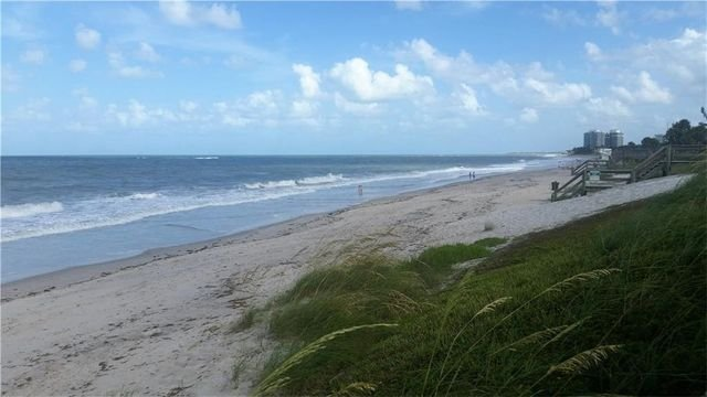 Ocean Club 1 beach area