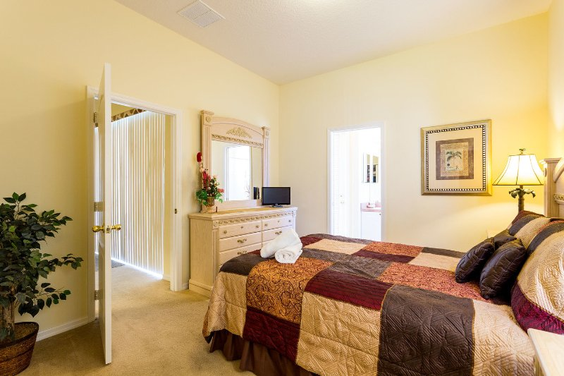 The Ensuite Queen Bedroom