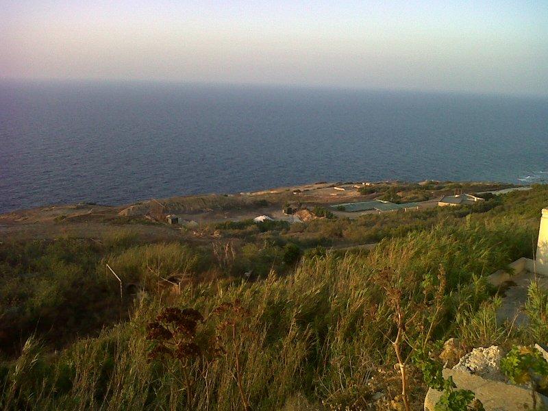 Vista mare con tiro al piattello/Sea view with shooting range