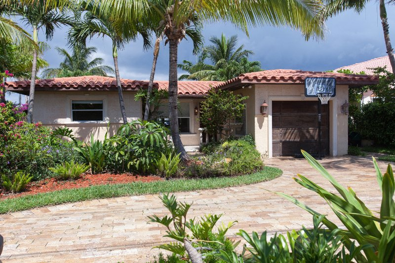 Villa Maria Waterfront family-Home, heated pool,, holiday rental in Pompano Beach