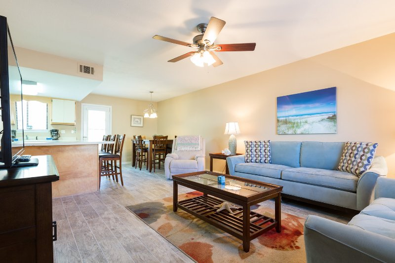 2 BR 1&1/2 BA Townhome in Gulf Highlands Resort, alquiler de vacaciones en Panama City Beach
