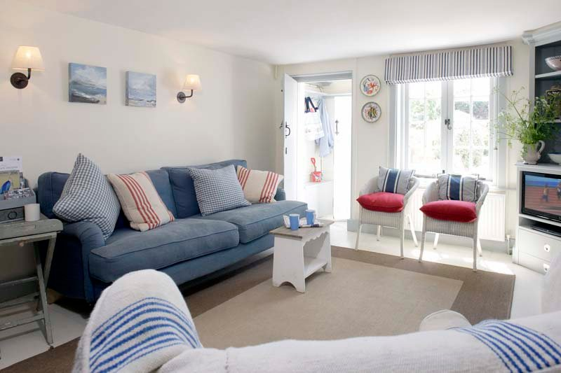 8 Coastguard Cottages, a Grade II Listed Cottage, vacation rental in West Wittering