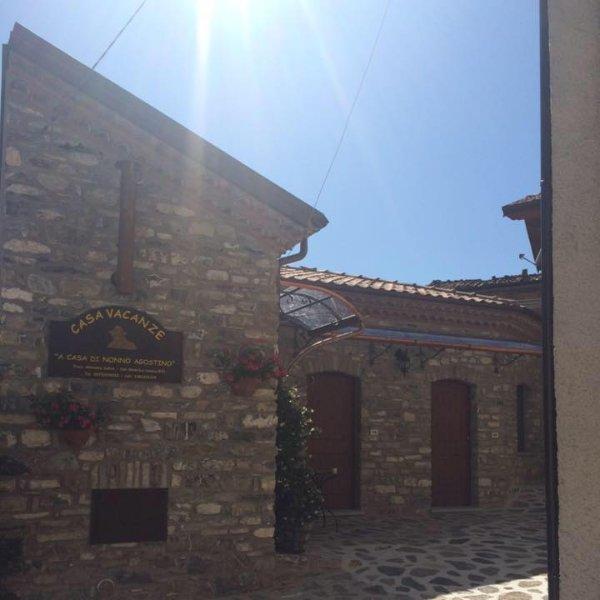 Casa Vacanze A Casa di Nonno Agostino, location de vacances à Noepoli