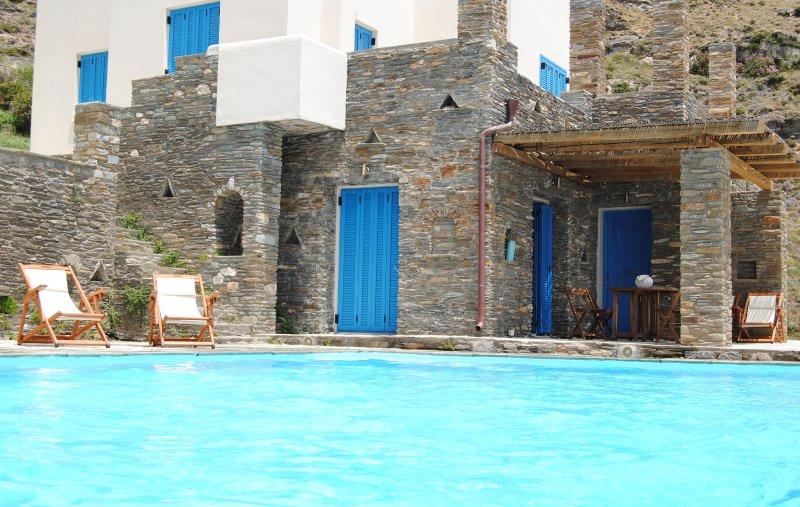 Magestic Aegean blue view, vacation rental in Paleopolis