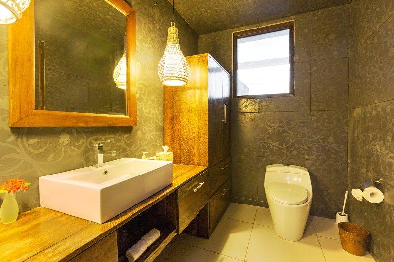 Chambre # 7 Salle de bain.