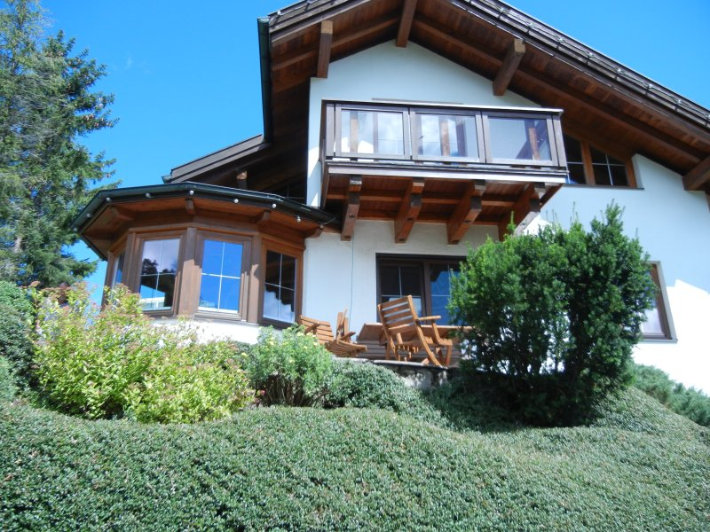 Holiday house with balcony, terrace, barbecue & garden in the mountains. Close to lake Achen