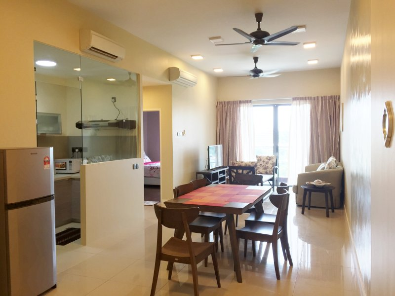 VACATION HOME KOTA KINABALU CBD - THELOFT, holiday rental in Sabah