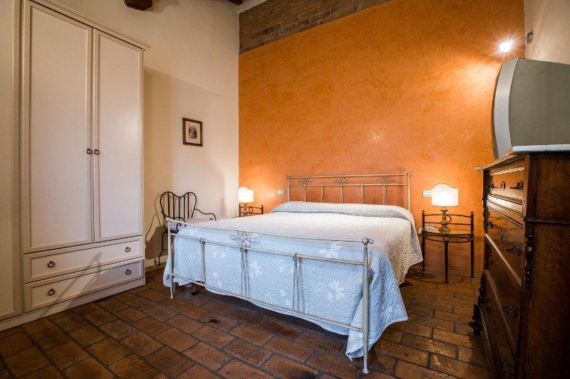 Tognazzi Casa Vacanze - Le stanze del Boccaccio, vacation rental in Certaldo
