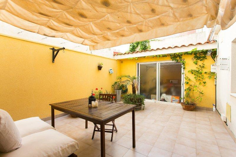 Bonito apartamento en la playa de Vilanova, location de vacances à Vilanova i la Geltru