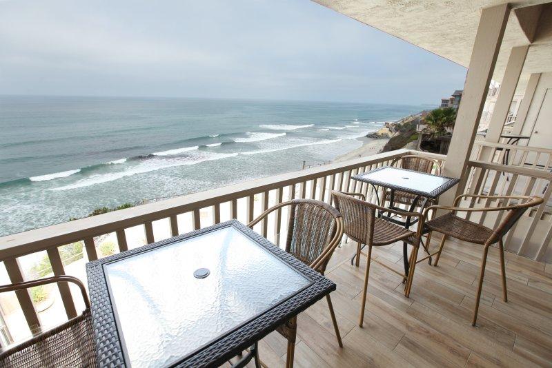 Top Floor Balcony for 180° Views Of Ocean, Beach and Pool