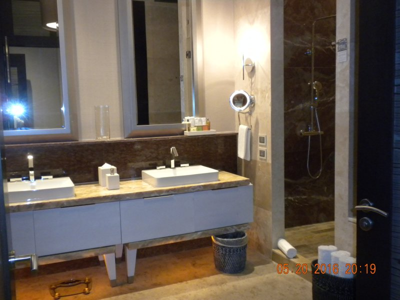 Master suite bathroom with jetted tub, walk-in shower double sinks, and separate toilet closet.
