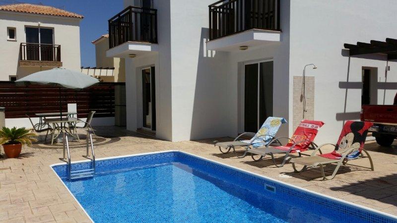 Villa Donald, 3 bed Villa, private pool, Pernera, location de vacances à District de Famagouste