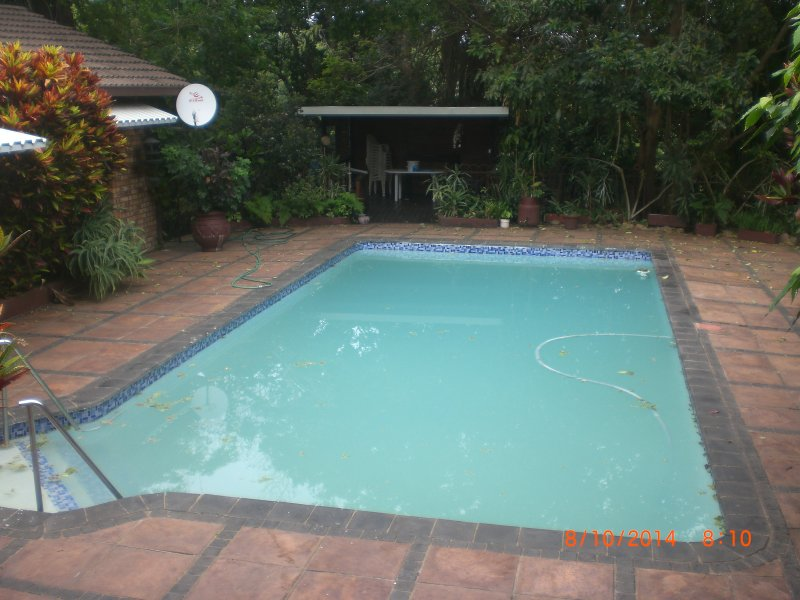 Communal swimming pool with lapa & cooking facilities