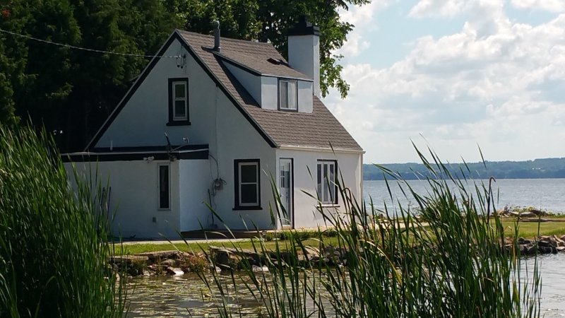 Little Lake House - 'the best kept secret', vacation rental in Fond du Lac