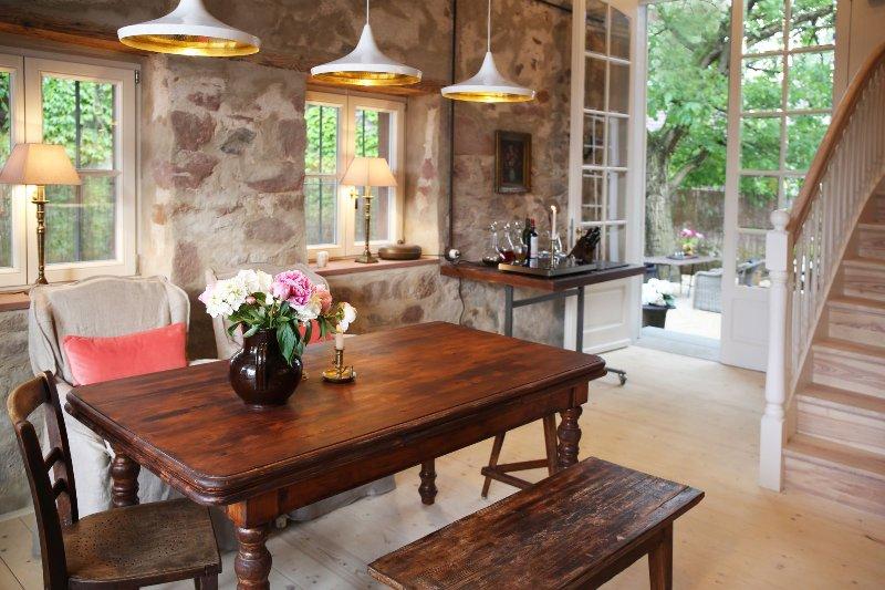 Annas Scheune  Küche und Essbereich