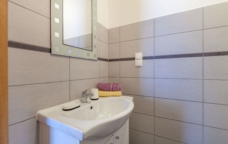 SA2(2+1): bathroom with toilet