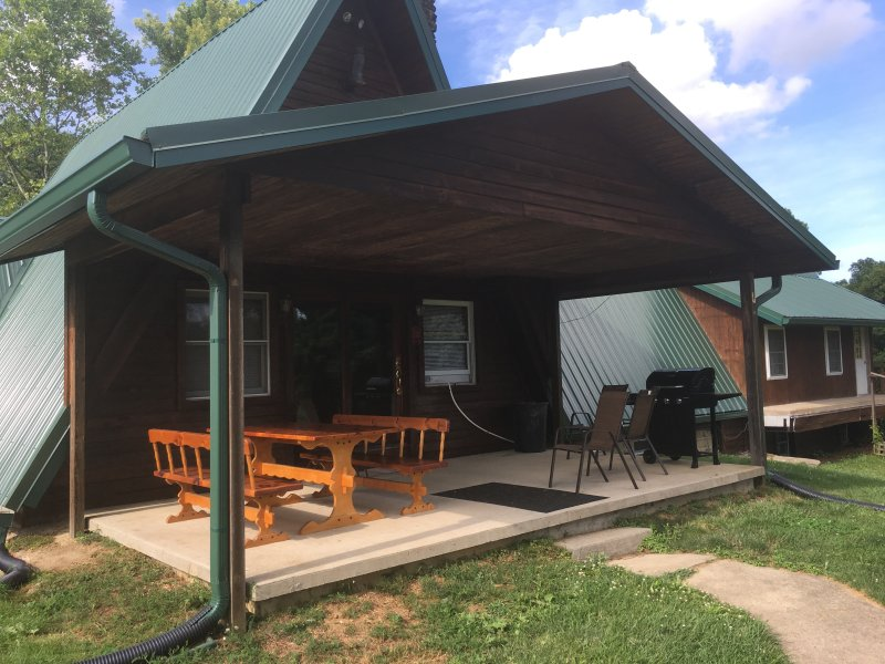 The Chalet Hocking Hills Ohio, holiday rental in Glouster