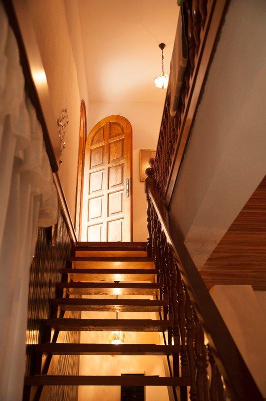 Escadas ao 1º andar