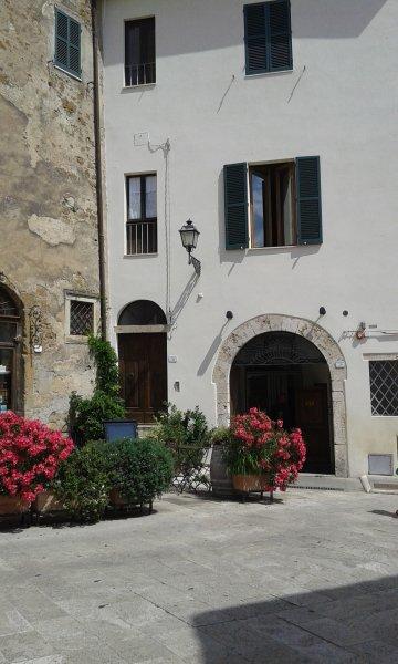 Affittasi appartamento zona centrale di Pitigliano, casa vacanza a Pitigliano