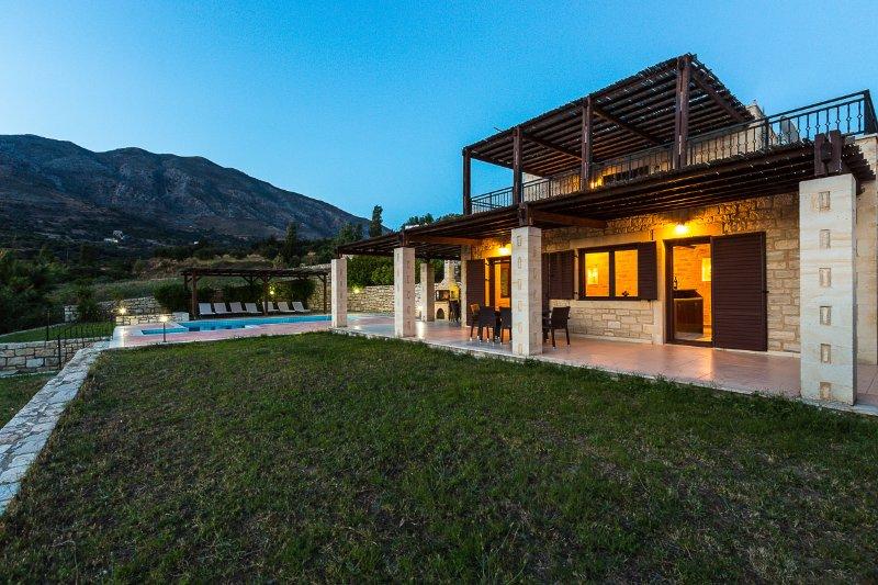 Villa Poseidon är en två nivå villa som täcker 110m2!