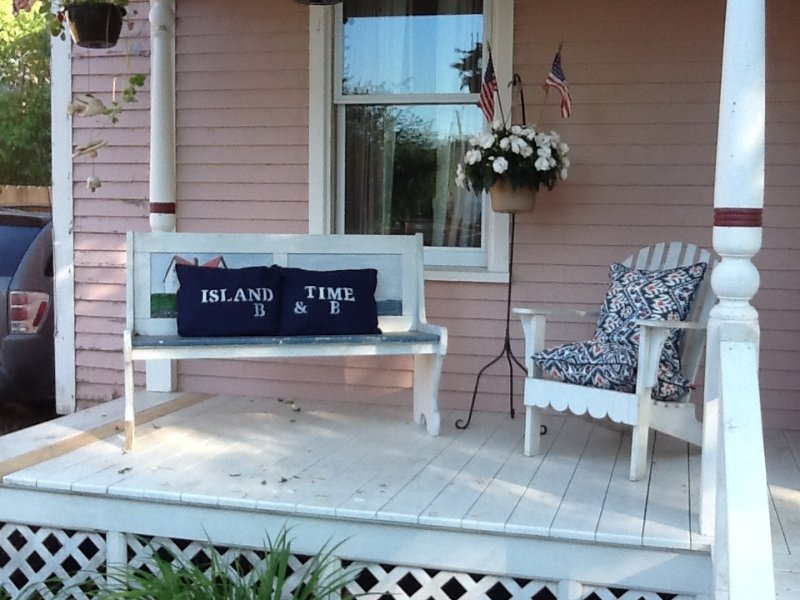 Live the island life!