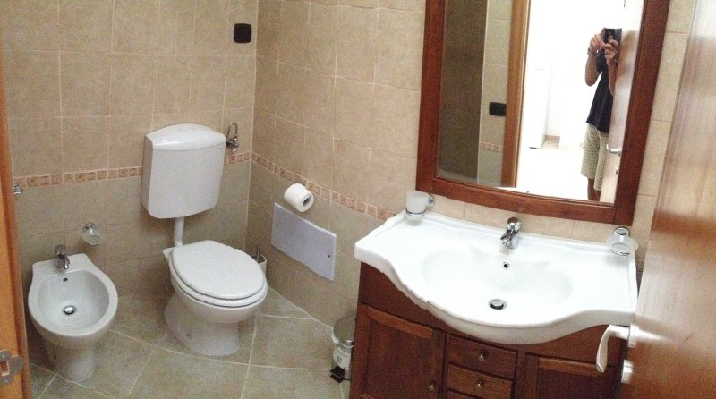 Salento 2: bathroom with shower