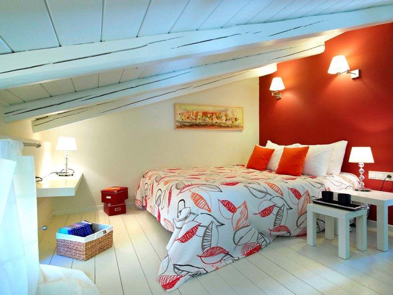 AVGERINOS Loft House at Eliathos, holiday rental in Peza