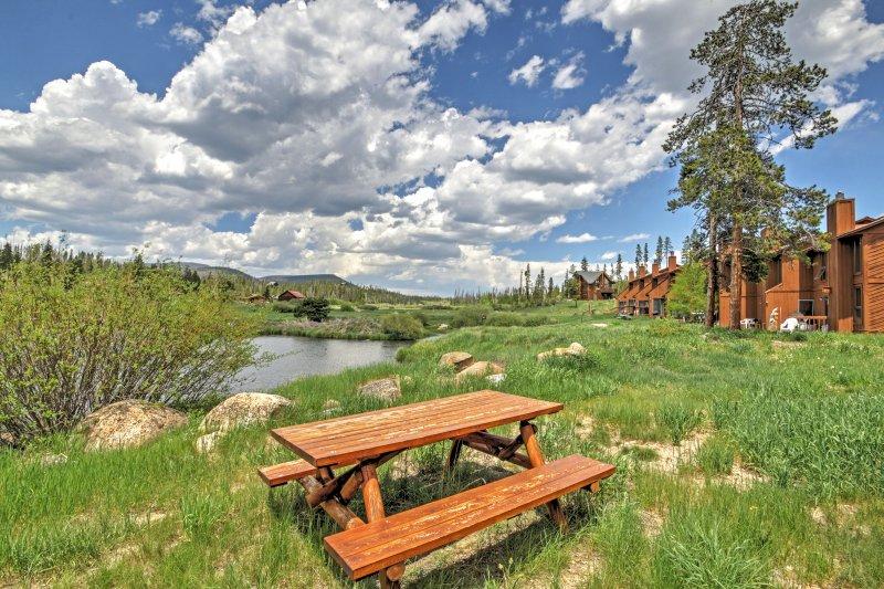 Verhoog uw Colorado ontsnappen wanneer u boekt deze prachtige Grand Lake Condo!