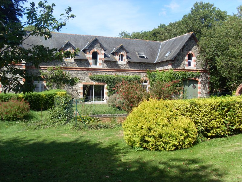 grand logis Tregor entre Paimpol et Perros Guirec, holiday rental in Pommerit-Jaudy