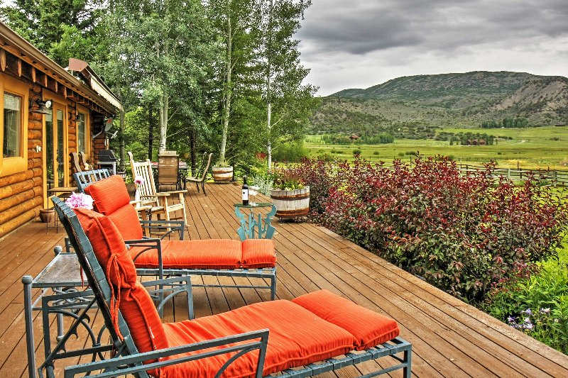 Kick back, relax and enjoy the mountain views!