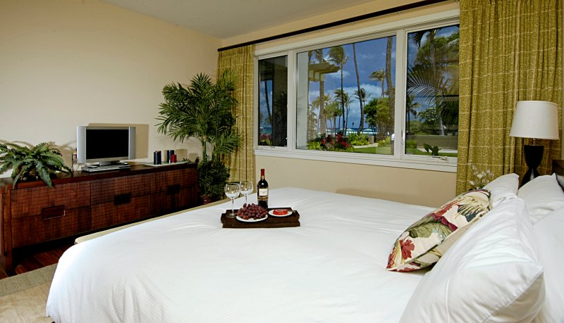 Ocean View ensuite Master with King Bed. TV has been upgraded to 40' SMART TV