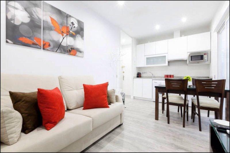 New Apt. 'Enjoy City Centre' Wifi-Heating, holiday rental in Pozuelo de Alarcon