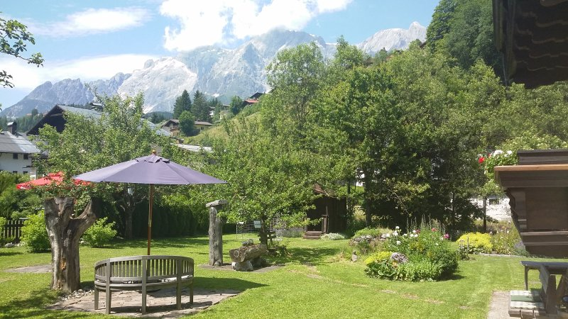 Haus Gilbert apartment 1, holiday rental in Pfarrwerfen