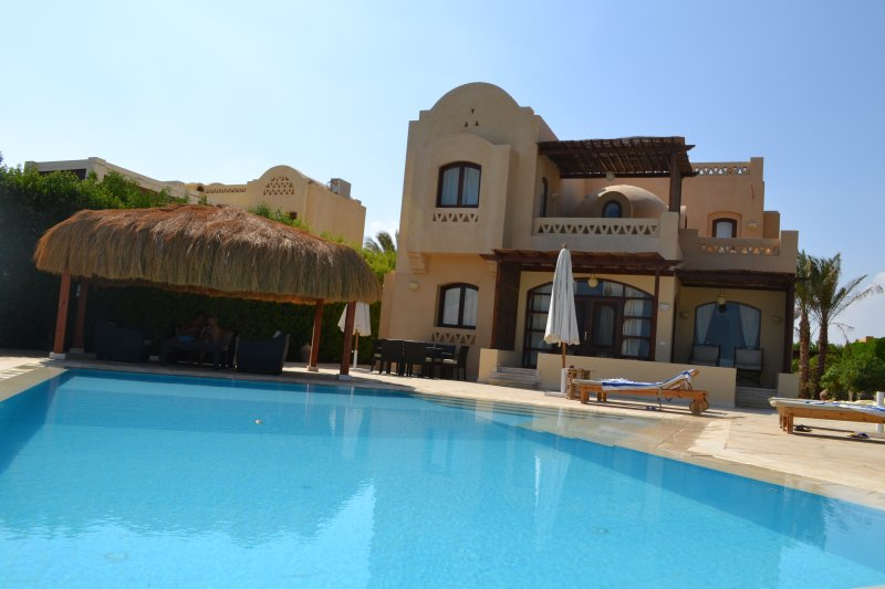 Villa Saluma-heated pool, free view, full privacy, alquiler vacacional en Hurghada