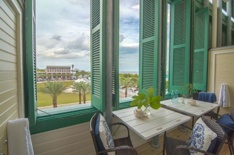 Fabulous Gulf Views from the Porch