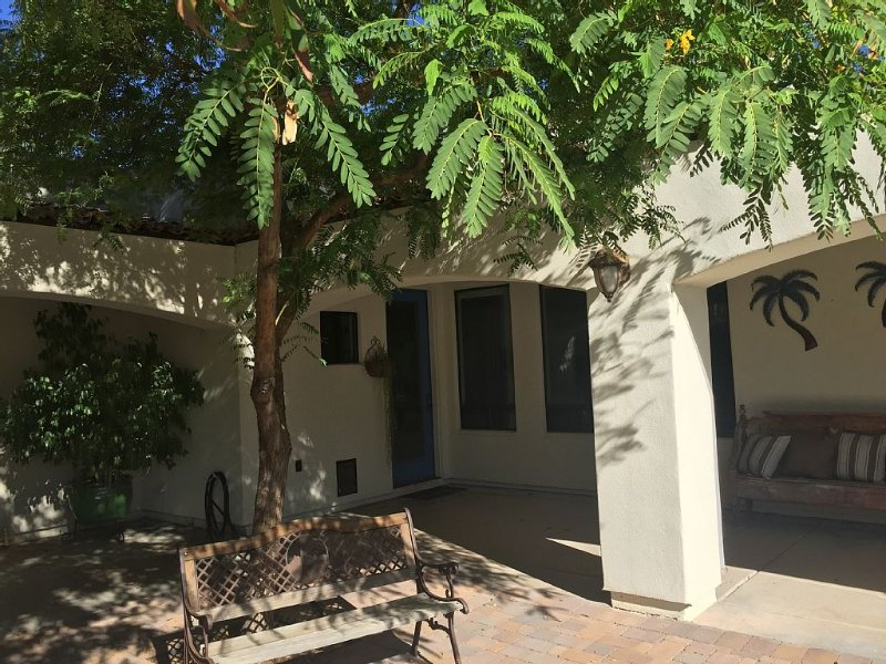 Close to sports, shopping and hiking, private oasis w/spectacular pool and yard!, holiday rental in Peoria