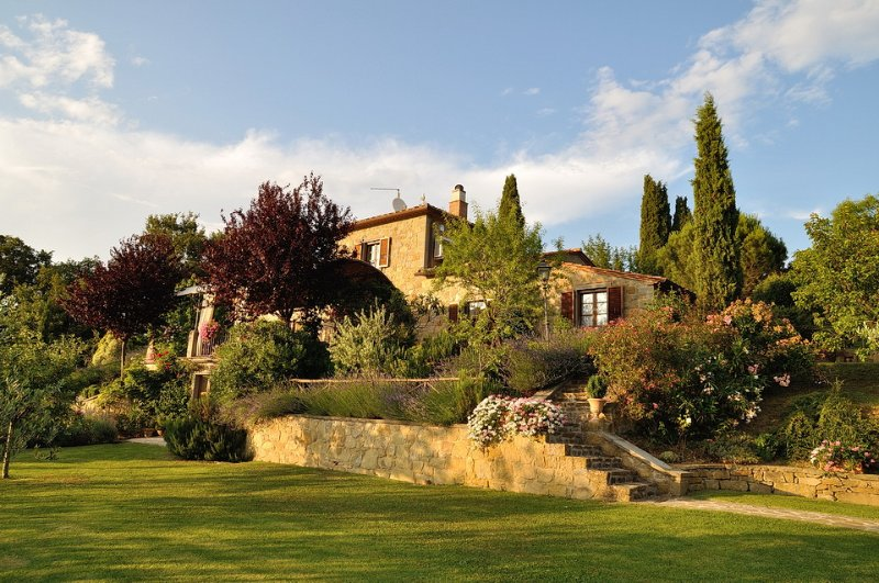 Toscana Fantastica - Cortona, Villa Sleeps 6 large Pool, and Chef's Kitchen, location de vacances à Cortona