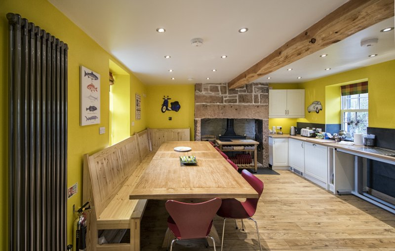The Moat House Annan - Farmhouse Kitchen Dining area