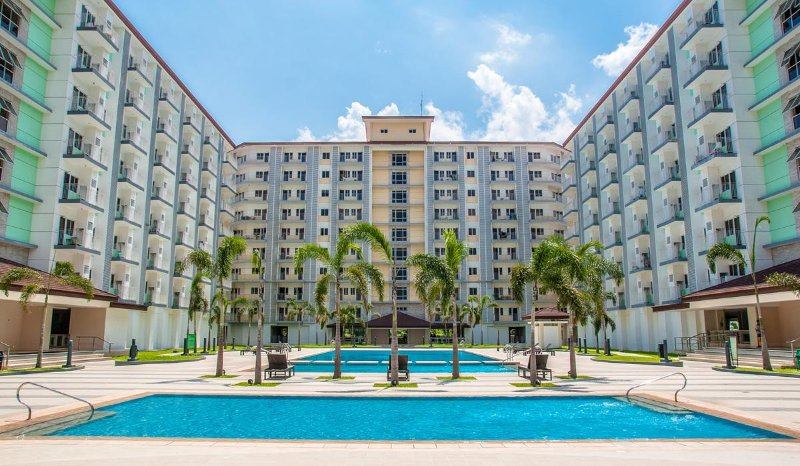 SM FIELD RESIDENCE airport pocket wifi hot shower, holiday rental in Manila